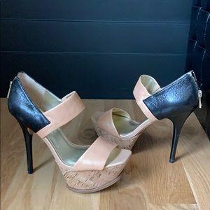 Jessica Simpson size 8 high heel shoe